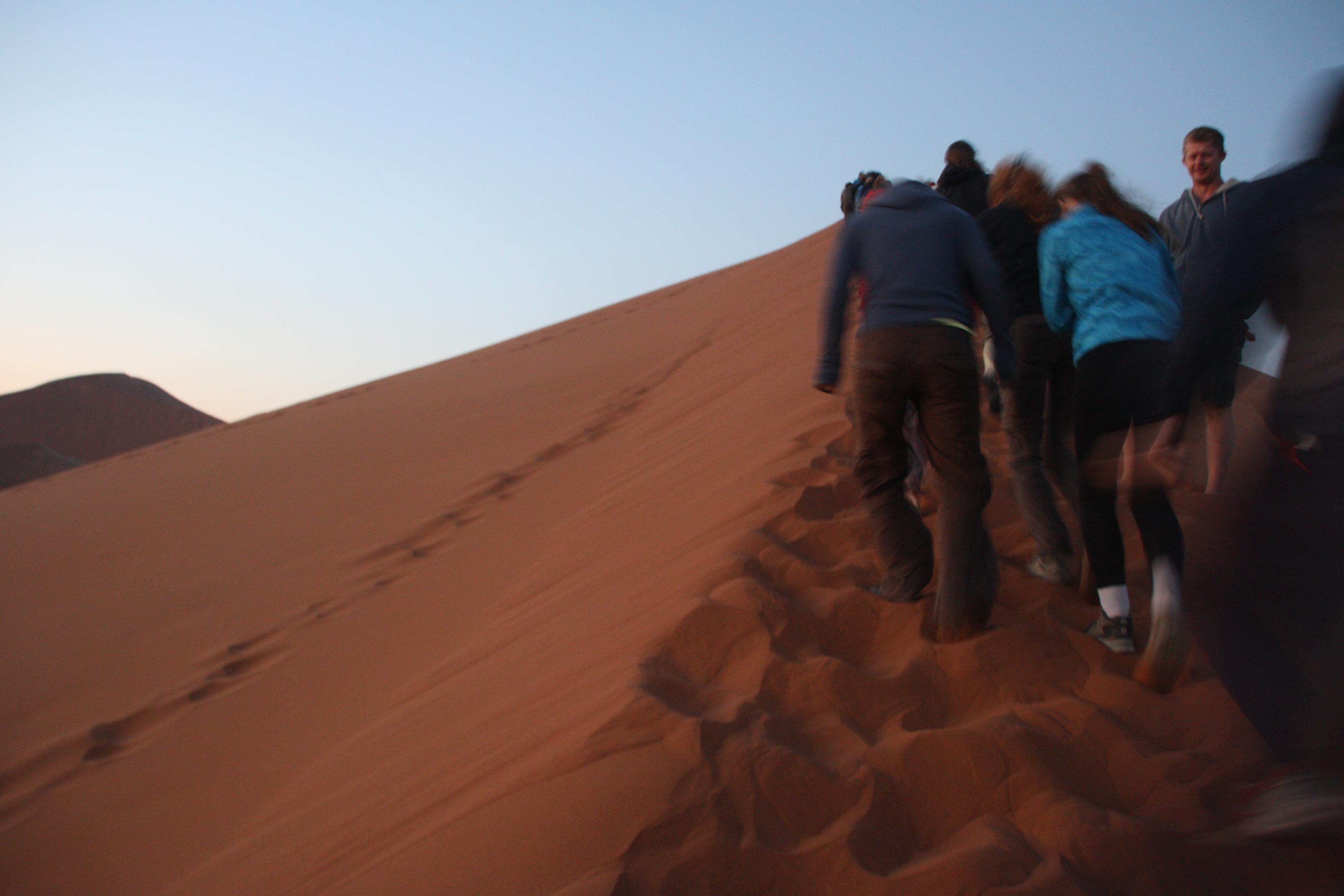 Aufstieg Dune45 Sonnenaufgang
