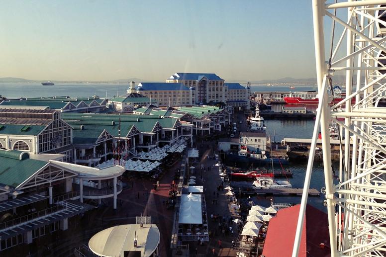 Blick von Kapstadts Riesenrad auf die V&A Waterfront