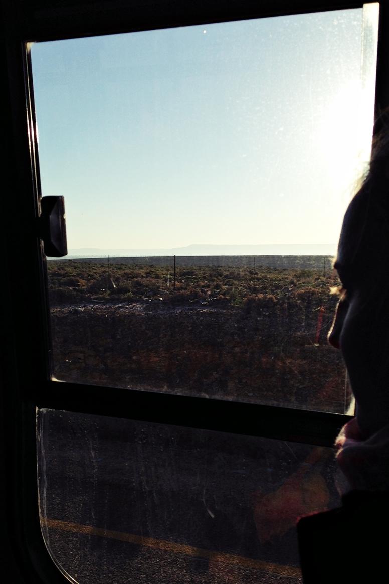 Blick aus dem Truck Fenster im Gebiet der Cederberg Mountains