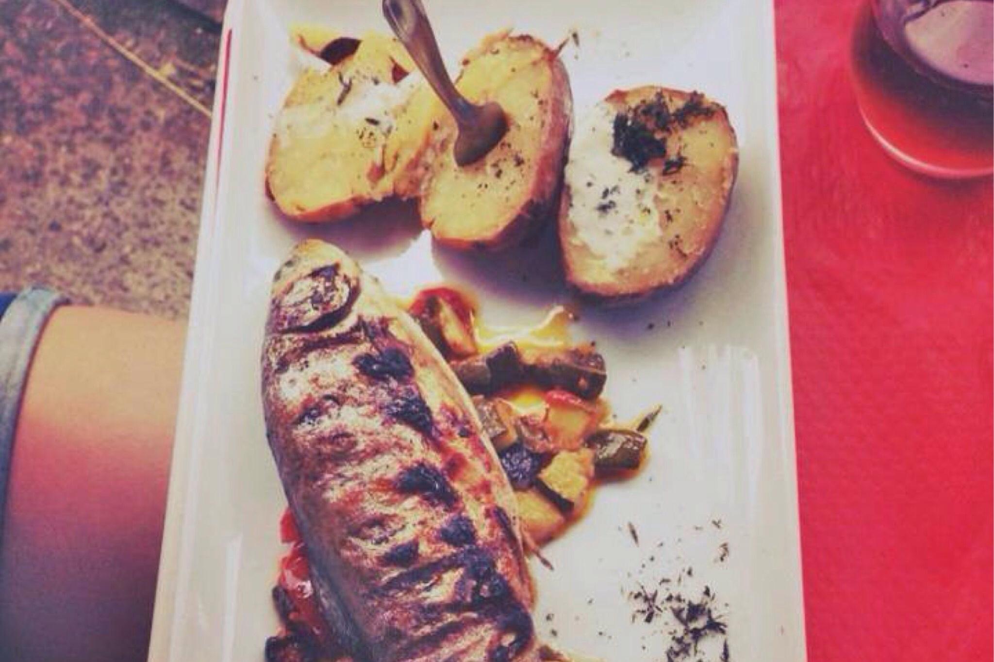 Fisch und Kartoffeln Taverne Ort Montsegur