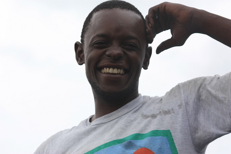 junger Afrikaner, Kenia, Diani Beach
