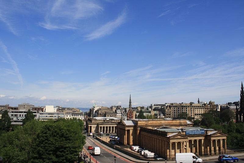 Blick über die Skyline von Edinburgh