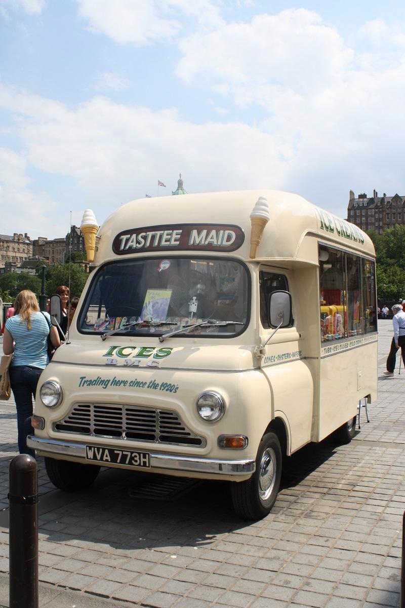 Eiswagen i,m schottischen Edinburgh