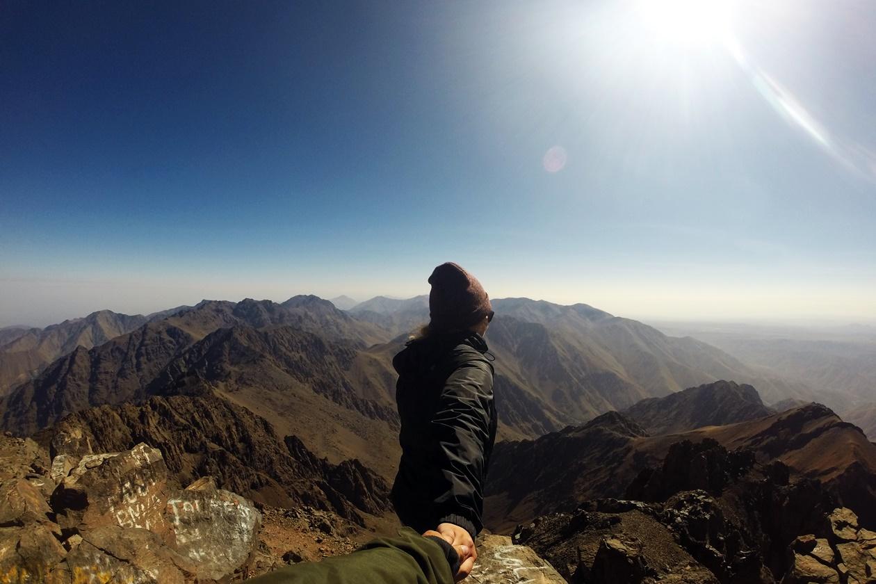 Auf den höchsten Berg Marokkos bin ich durch viel Sparen gekommen. Ich verrate meine besten Tipps, um mit geringem Einkommen, tolle Reisen zu unternehmen