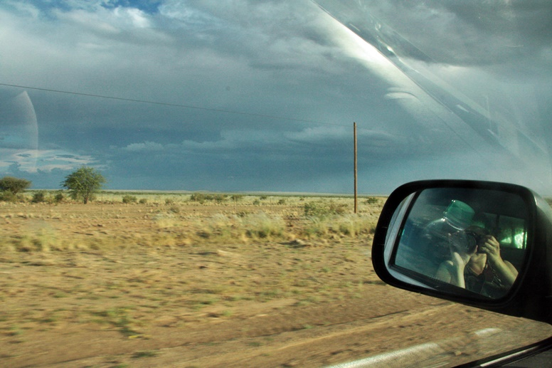 Blick aus dem Autofenster in Namibia