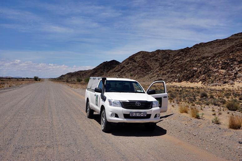 Mietwagen von vorne in Namibia