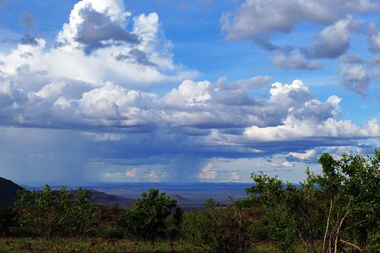Regenwolken in Namibia