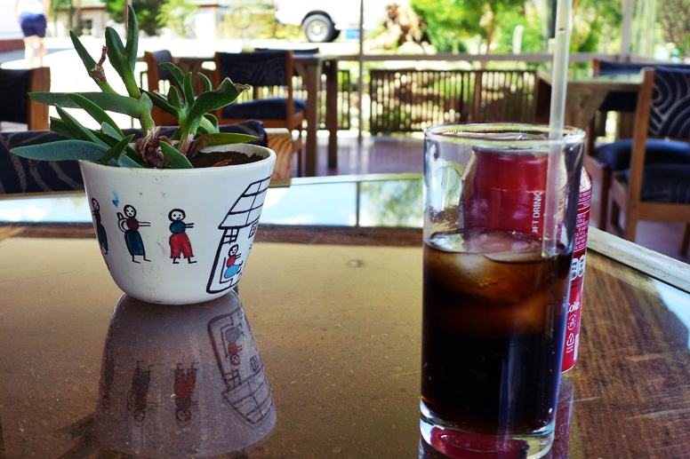 Eiskalte Cola im Penduka Projekt im Stadtteil Katatura in Namibias Hauptstadt Namibia