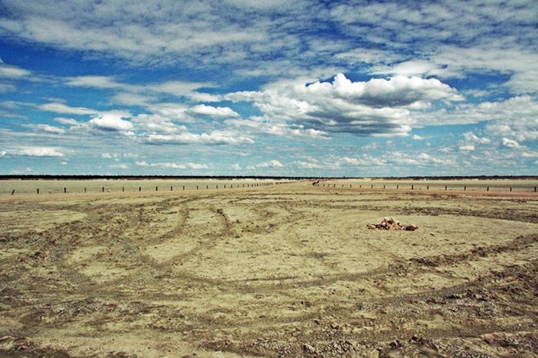 Salzpfanne im Etosha Nationalpark in Namibia