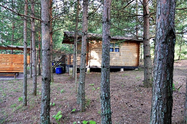 Holzhütte am See in Jekabpils Lettland