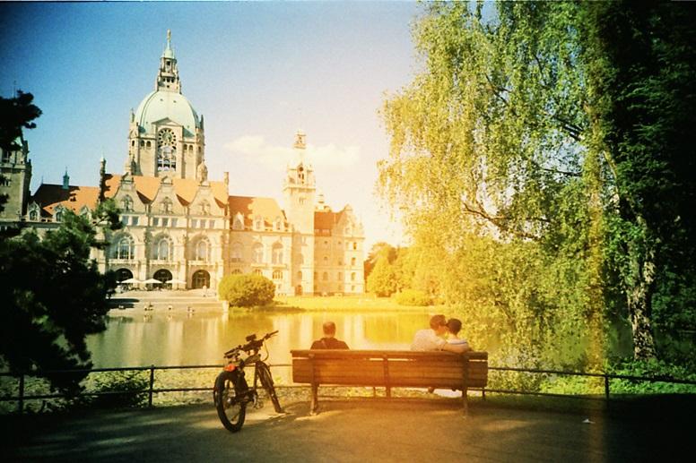 Blick auf das neue Rathaus in Hannover