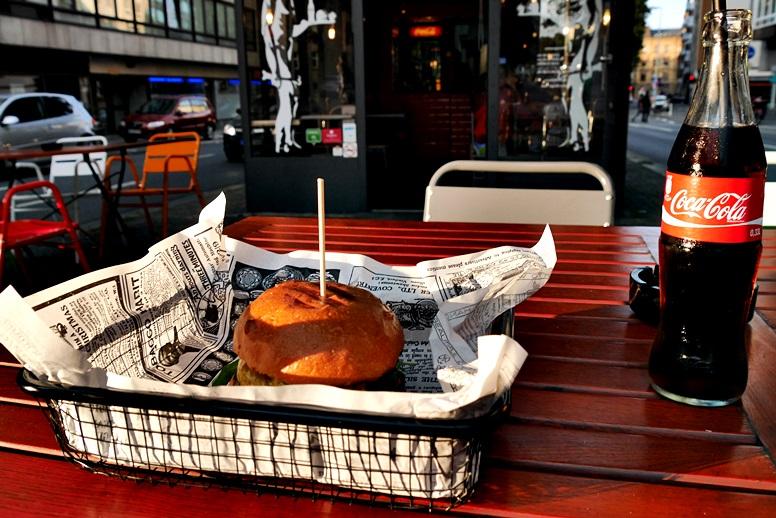 burger-mit-cola-von-bully-burger-in-mainz