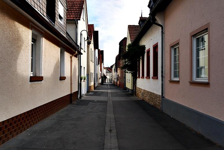enge-gassen-in-mainz-gonsenheim