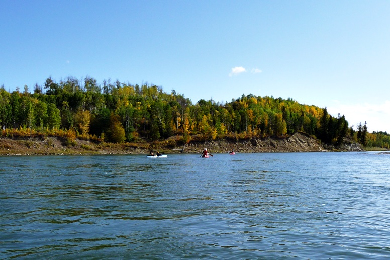 paddeln-auf-dem-saskatchewan-river-indian-summer