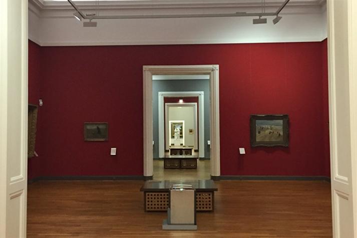 Gänge der KunstWelten Ausstellung im Landesmuseum Hannover