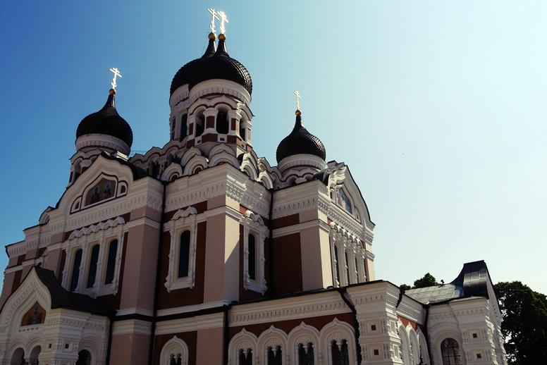 Zwiebelturmkirche in Estlands Hauptstadt Tallinn