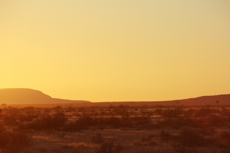 Sonnenaufgang nahe des Fishriver Canyon in Namibia