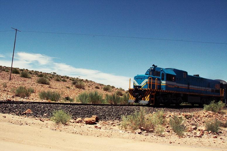 Blauer Zug in Namibia