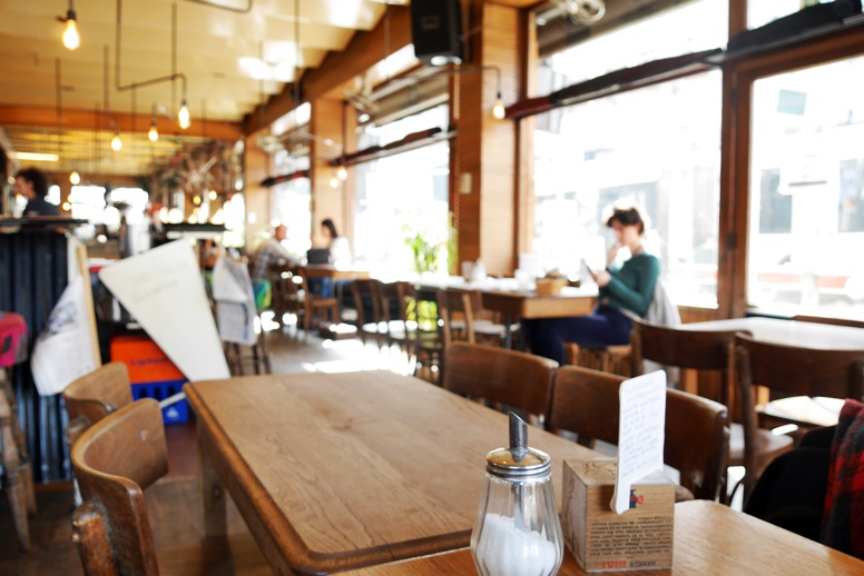 Frühstück im Café Walvis in Brüssel