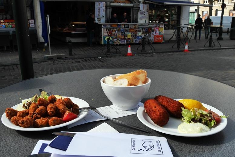 Mittagessen mit Meeresfrüchten in Brüssel