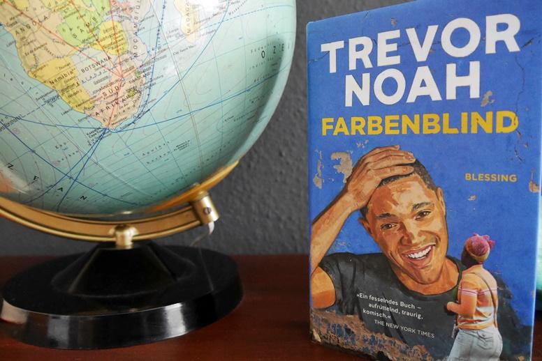 Coverbildes des Buches Farbenblind von Trevor Noah