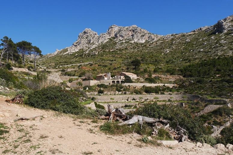 Blick auf das Kloster La Trapa auf der 1.Etappe des GR221