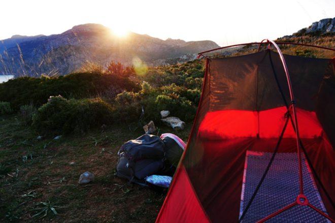 Zelten auf dem GR221 Mallorca bei Sonnenaufgang