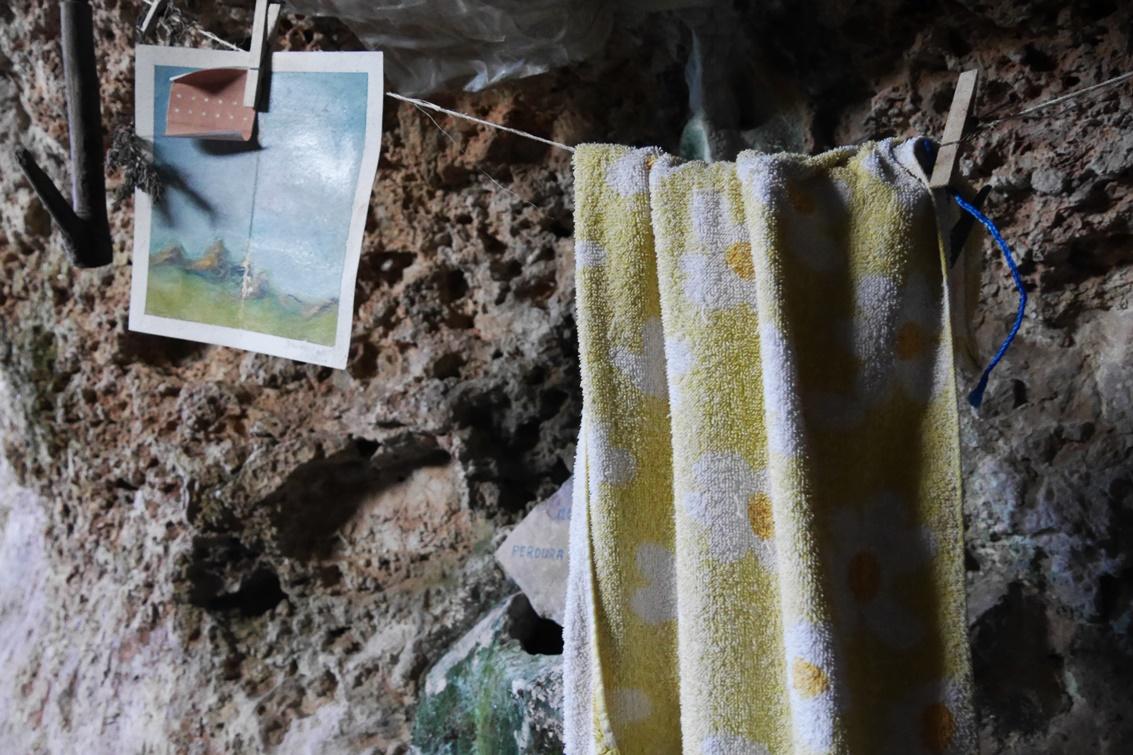 Details in der Höhle des Eremiten auf der 4.Etappe des GR221