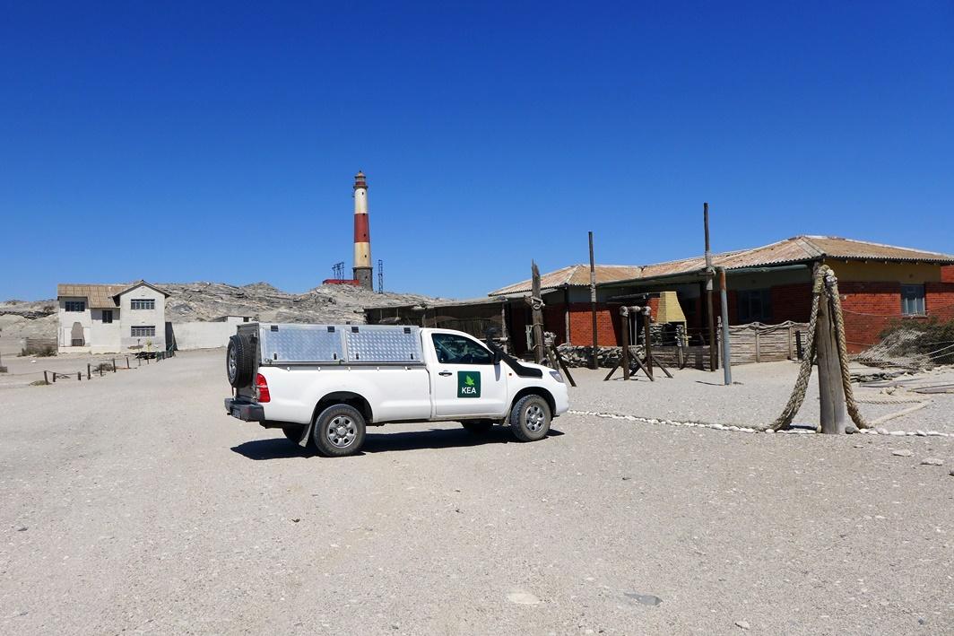 Mietwagen in Lüderitz auf einer Gruppenreise vs. Individualreise in Namibia