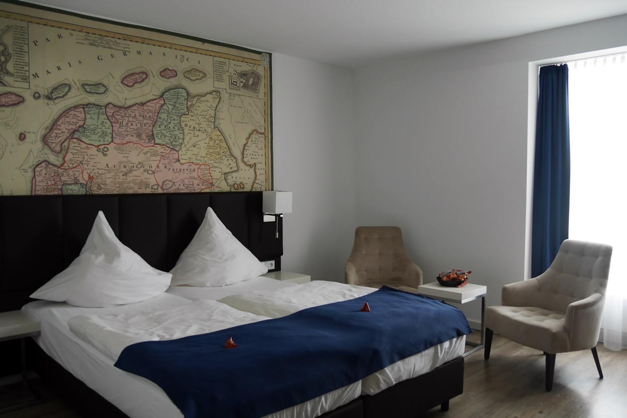 Zimmer im Novum Hotel Hinte beim Urlaub mit Oma