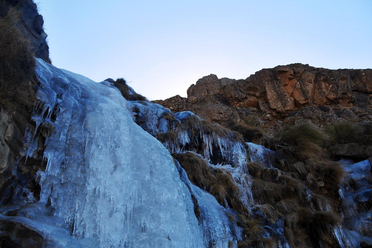 Gefrorener Wasserfall am Sani Pass
