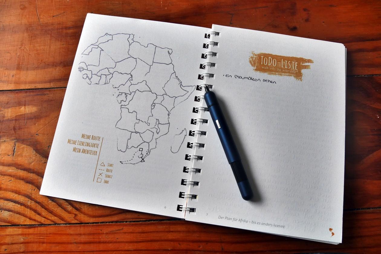 Geöffnete Seite des JourneyBook Reisetagebuch Afrika mit Pico Kugelschreiber von Lamy