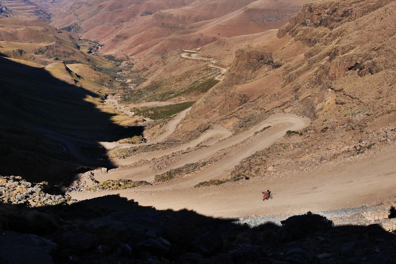 Serpentinen am Sani Pass