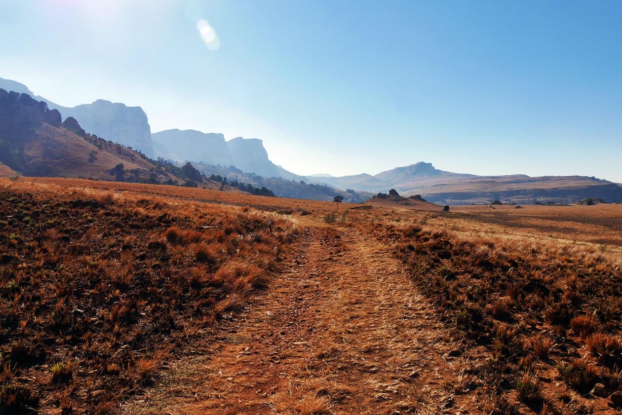 Blick auf die nördlichen Drakensberge in Südafrika