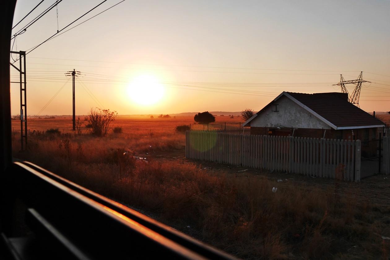 Mit dem Shosholoza Meyl von Johannesburg nach Kapstadt Sonnenuntergang