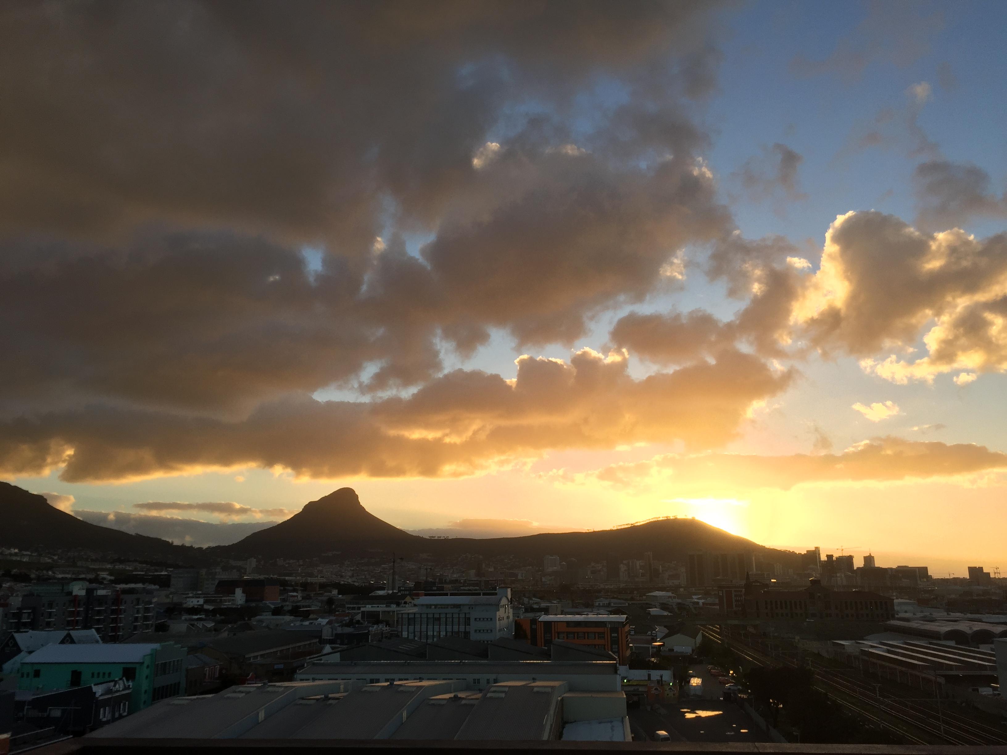 Ausblick über Kapstadt und Lions Head,sowie Signal Hill