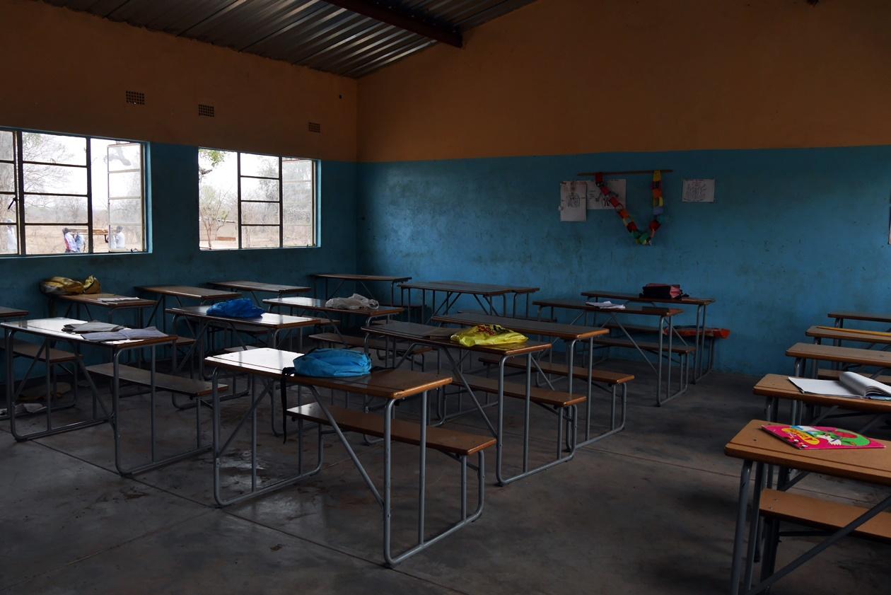 Schulgebäude in der Nähe von Bovu Island