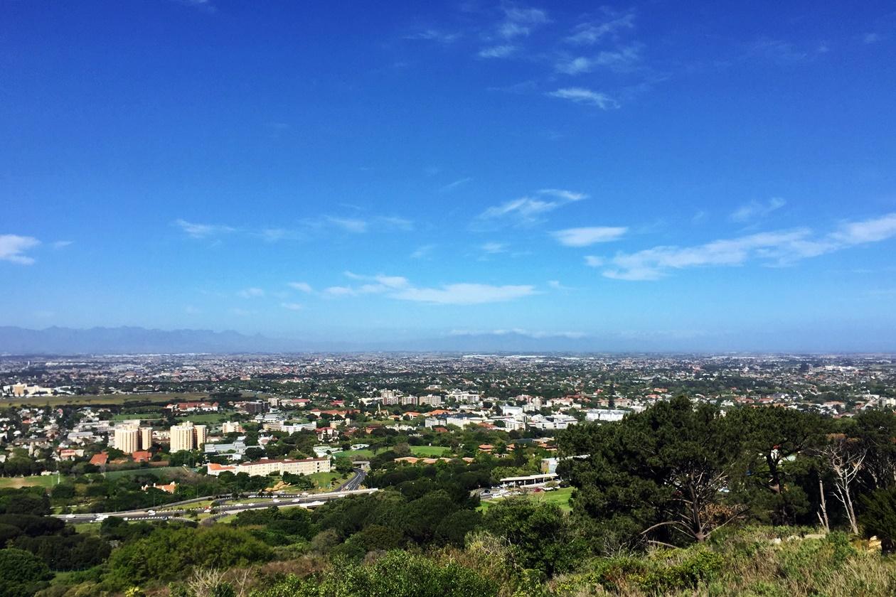 Aussicht vom Rhodes Memorial über Kapstadts Communities