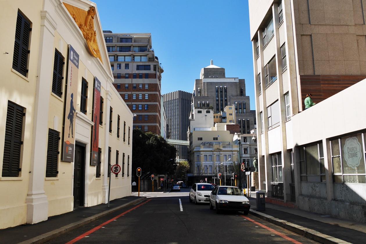 Leere Straßen in District Six, eine von Kapstadts Communities, die heute aber so nicht mehr existiert.