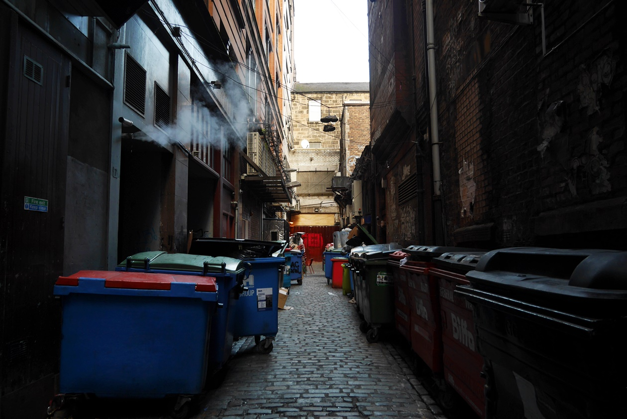 Seitengasse entdeckt auf einer Streetart Tour durch Glasgow