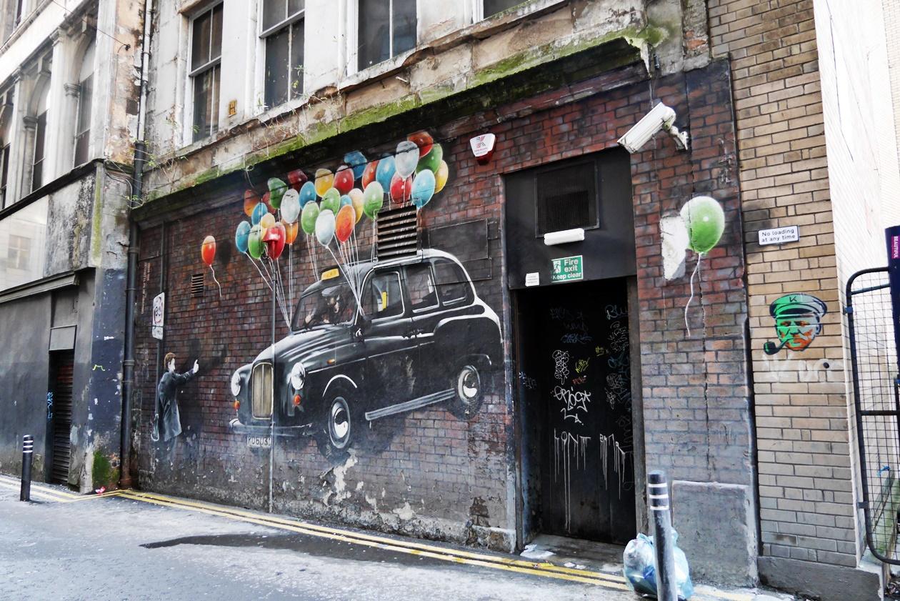 Das umweltfreundlichste Taxi entdeckt auf einer Streetart Tour durch Glasgow