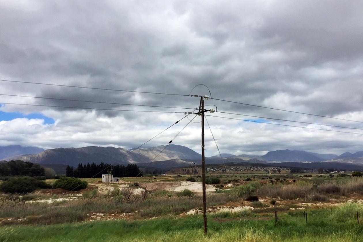 Landschaft bei Clanwilliam, Südafrika auf der Fahrt mit dem Intercape Bus von Kapstadt nach Windhoek