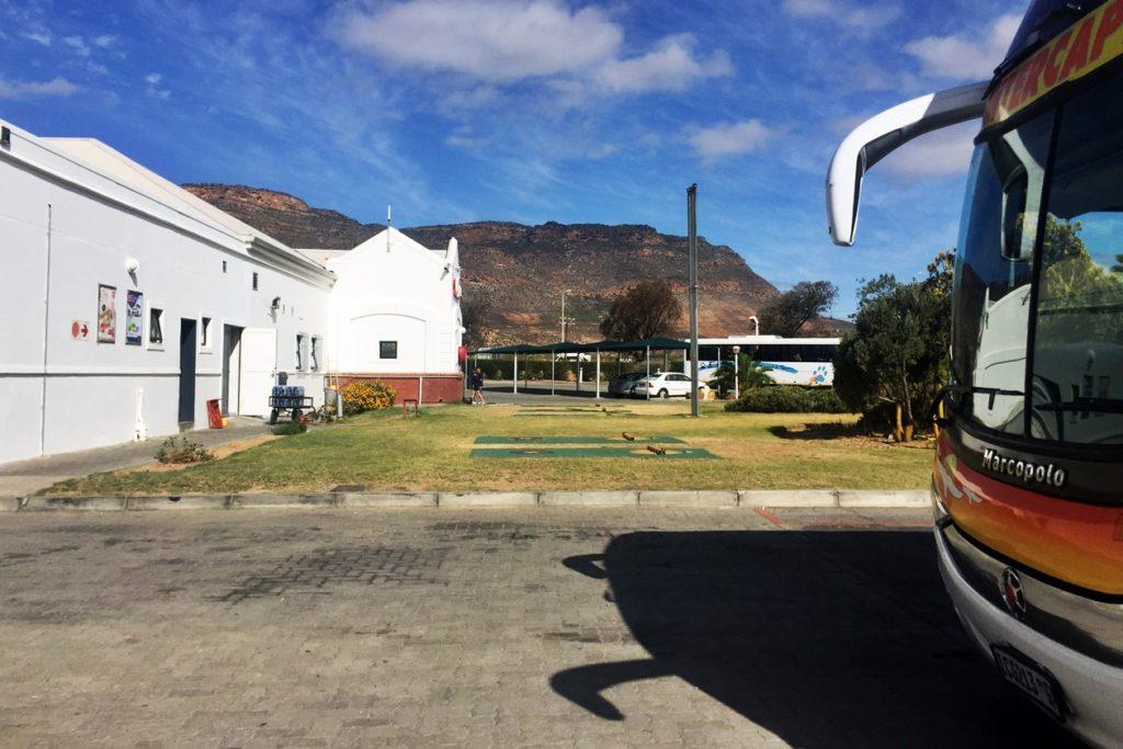 Raststätte auf der Fahrt mit dem Intercape Bus von Kapstadt nach Windhoek