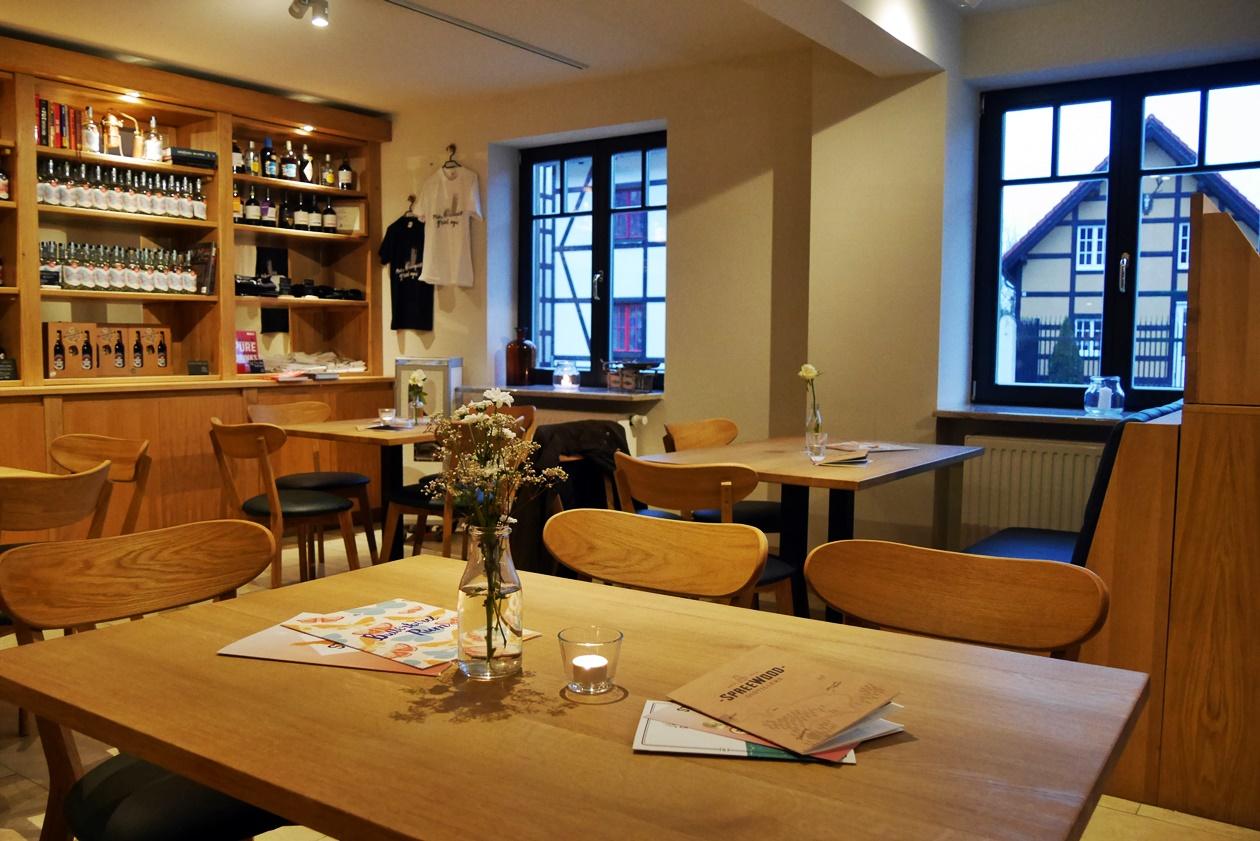 Café der Spreewood Distillers nicht unweit des Tropical Islands