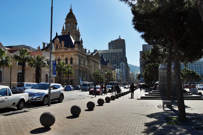 Auf den Spuren von Nelson Mandela unterwegs findet man auch die City Hall in Kapstadt