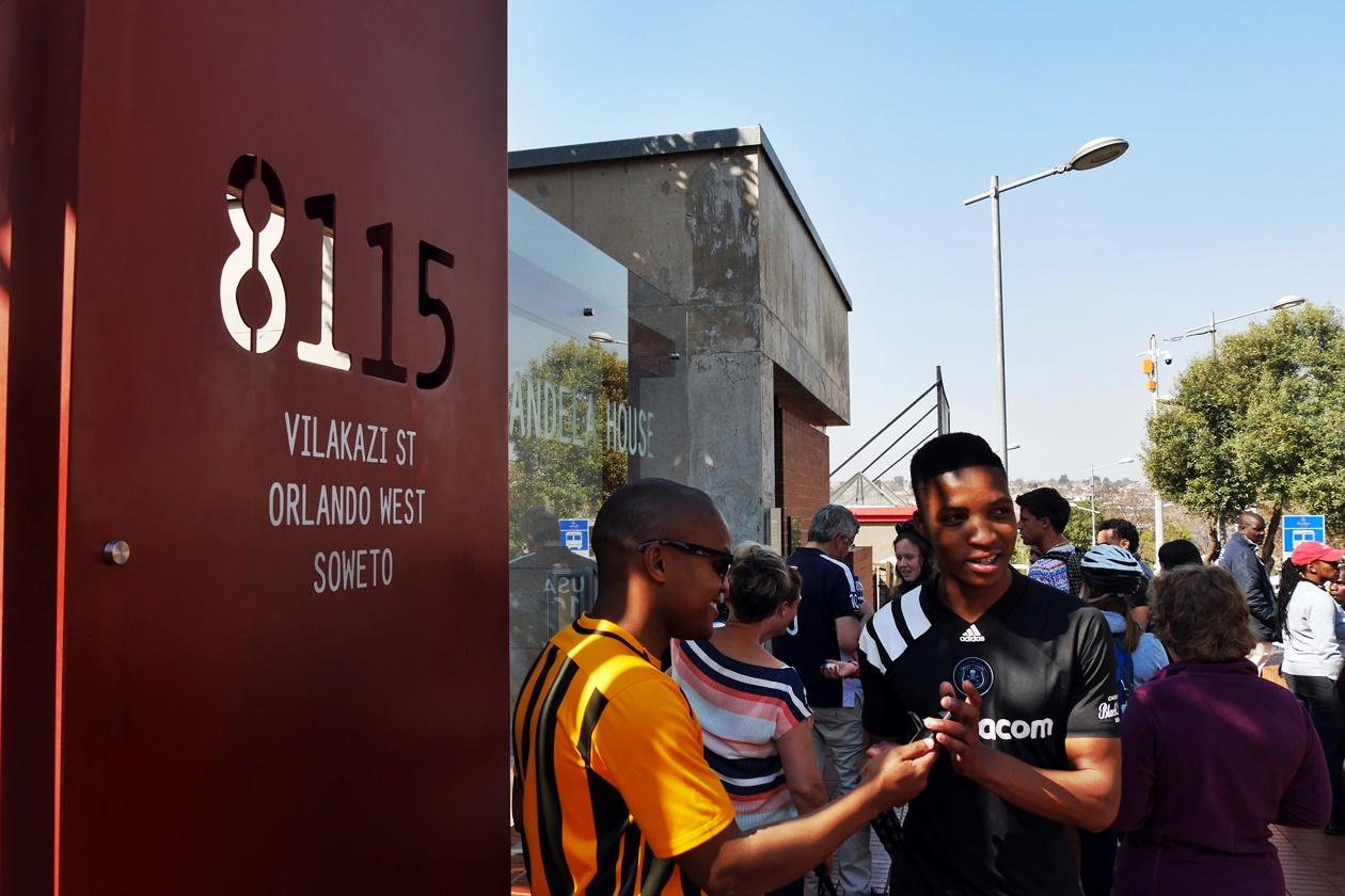 In Soweto hat Nelson Mandela viele Spuren hinterlassen. Hier sieht man sein ehemaliges Haus in der Vilakazi Street