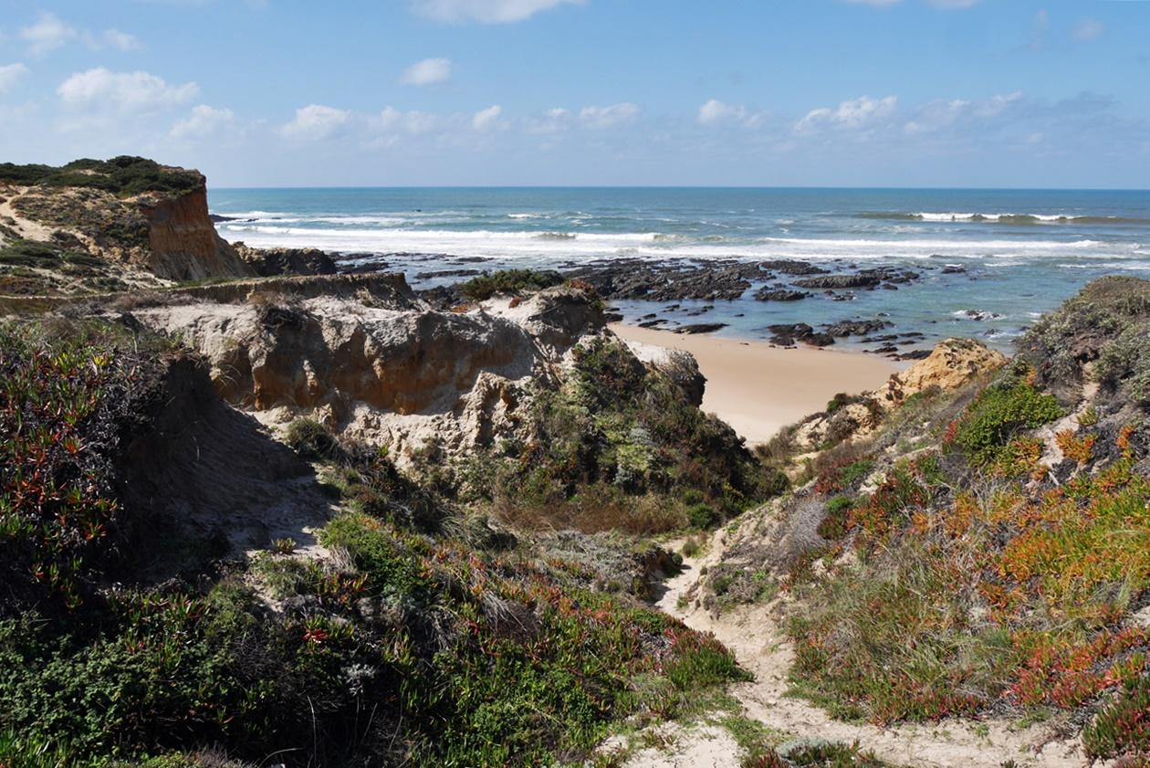 Der Blick öffnet sich zum Meer hin auf der zweiten Etappe des Fisherman´s Trail
