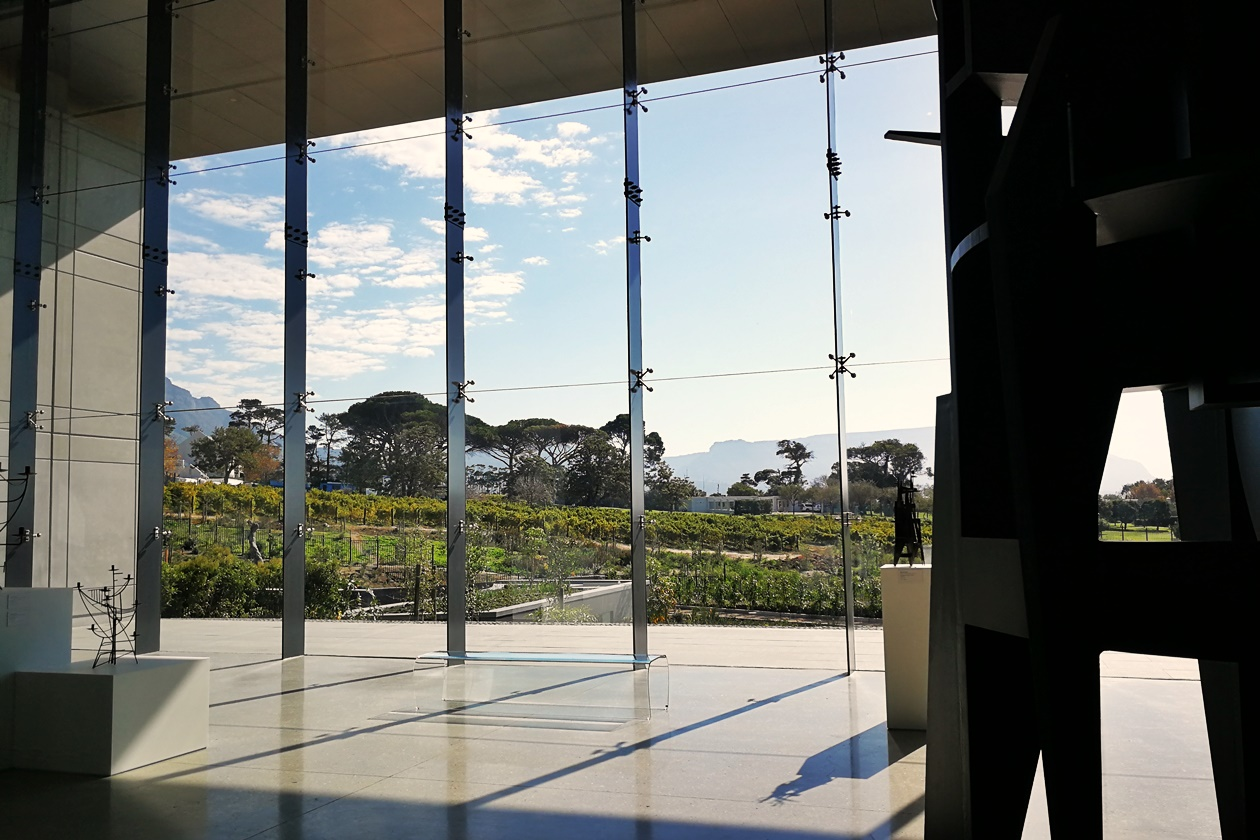 Blick auf den Sculpture Garden der Norval Foundation in Kapstadt