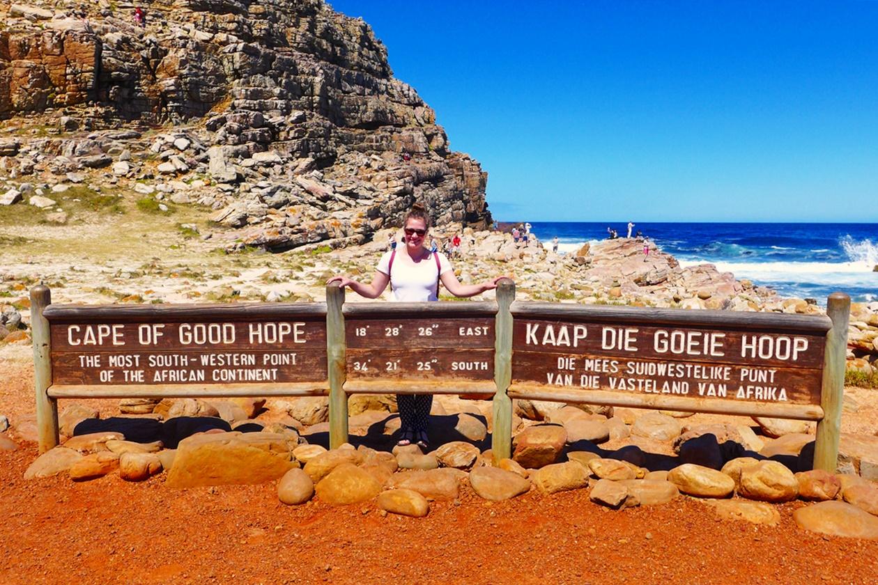 Lieschenradieschen am Schild zum Kap der Guten Hoffnung bei Kapstatd