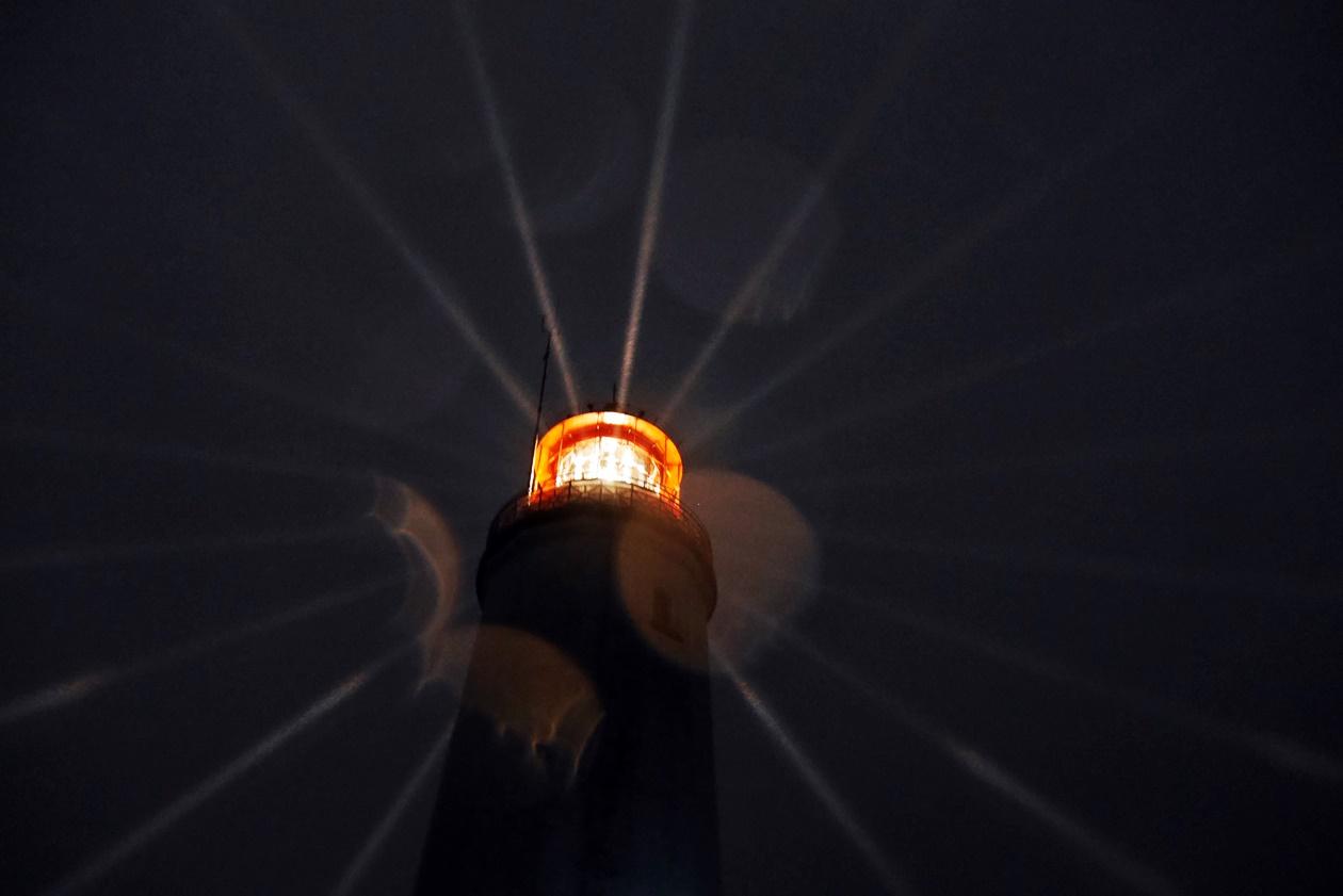 Leuchtturm auf Hiddensee bei Nacht